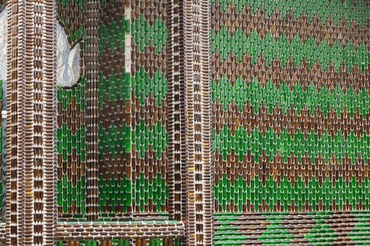 """Ngôi chùa vỏ chai - Kiến trúc """"có một không hai"""" ở Thái Lan - Ảnh 8."""