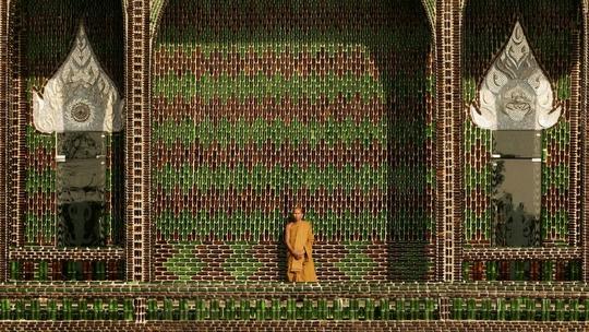 """Ngôi chùa vỏ chai - Kiến trúc """"có một không hai"""" ở Thái Lan - Ảnh 9."""