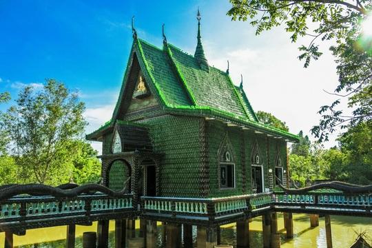 """Ngôi chùa vỏ chai - Kiến trúc """"có một không hai"""" ở Thái Lan - Ảnh 10."""