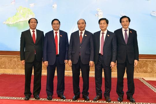 Giới thiệu chữ ký của Thủ tướng Phạm Minh Chính, 2 tân Phó Thủ tướng - Ảnh 1.