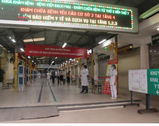 NÓNG: Gần 200 cán bộ, nhân viên Bệnh viện Bạch Mai xin nghỉ việc - Ảnh 2.