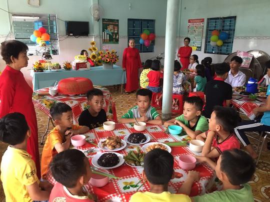 Hình thành thói quen ăn uống lành mạnh và lối sống năng động cho trẻ nhỏ - Ảnh 1.