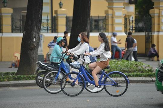 Gần 400 xe đạp công cộng chuẩn bị tung tăng ở trung tâm TP HCM - Ảnh 1.