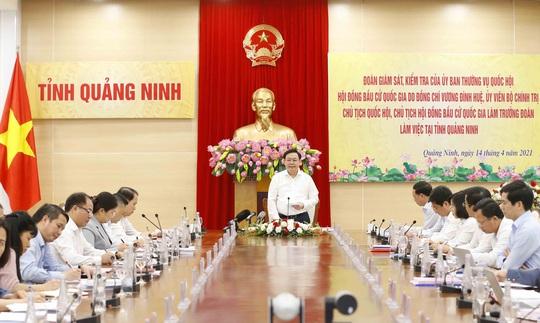Chủ tịch Quốc hội Vương Đình Huệ kiểm tra công tác chuẩn bị bầu cử tại Quảng Ninh - Ảnh 3.