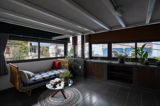 Nhà 6 tầng ngập cây xanh, yên bình giữa không gian phố chợ - Ảnh 11.
