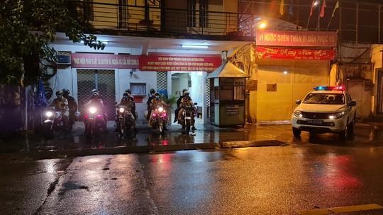 CSGT TP HCM đội mưa ra quân lúc 0 giờ! - Ảnh 5.