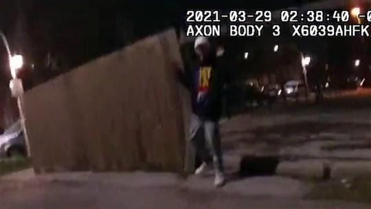 Mỹ: Công bố đoạn video cảnh sát bắn chết thiếu niên 13 tuổi - Ảnh 1.