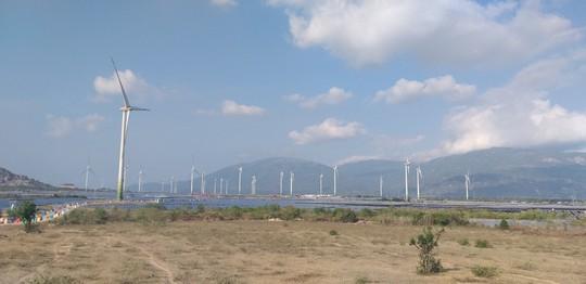 Khánh thành nhà máy điện gió lớn nhất Việt Nam - Ảnh 2.