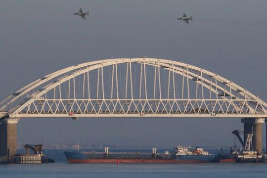 """Nga """"châm lửa"""" trên biển Đen, đáp trả trừng phạt Mỹ - Ảnh 1."""