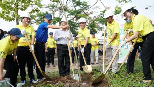 EVNSPC phát động trồng 1 tỉ cây xanh bảo vệ môi trường tại Sóc Trăng - Ảnh 1.