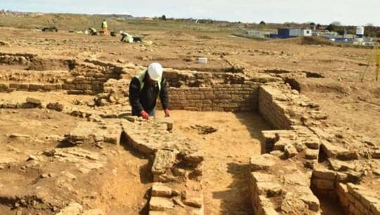 Xây nhà, lọt vào mê cung 1.900 tuổi là kho báu có 1 không 2 trên thế giới - Ảnh 3.