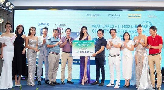 """Gần 700 triệu đồng được quyên góp từ giải """"West Lakes – Miss Universe Charity Golf Tournament Nam A Bank Cup"""" - Ảnh 1."""