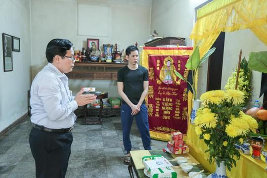 Mai Vàng nhân ái thăm nhà văn Ma Văn Kháng, Nguyễn Khắc Trường và thắp hương tưởng nhớ nhà văn Nguyễn Huy Thiệp - Ảnh 8.