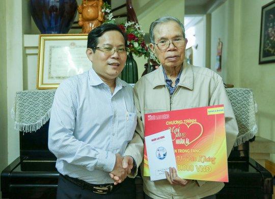 Mai Vàng nhân ái thăm nhà văn Ma Văn Kháng, Nguyễn Khắc Trường và thắp hương tưởng nhớ nhà văn Nguyễn Huy Thiệp - Ảnh 1.