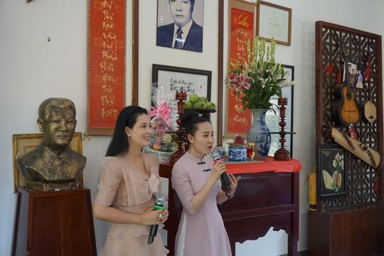 Nghệ sĩ TP HCM về nguồn, nhớ ơn soạn giả Trần Hữu Trang - Ảnh 7.