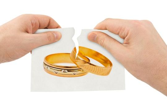Áp lực chồng chất hậu ly hôn - Ảnh 1.