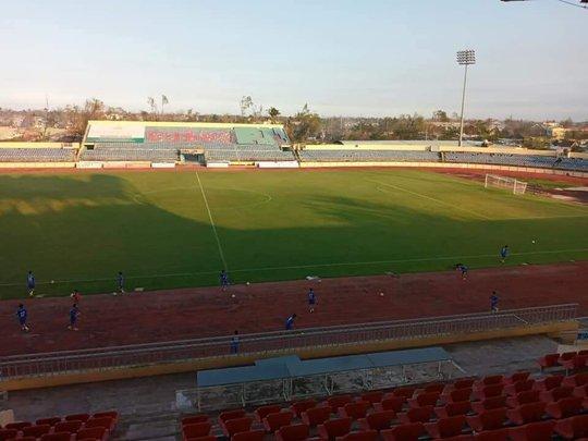 Quảng Nam đầu tư 40 tỉ đồng nâng cấp sân vận động Tam Kỳ - Ảnh 1.