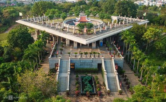 Khám phá 3 ngôi đền thờ vua Hùng ở TP HCM - Ảnh 3.