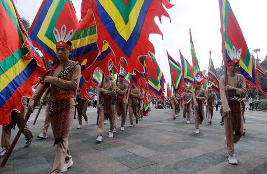 Khoảng 20 ngàn người hành hương về Đền Hùng trong ngày Giỗ Tổ - Ảnh 24.
