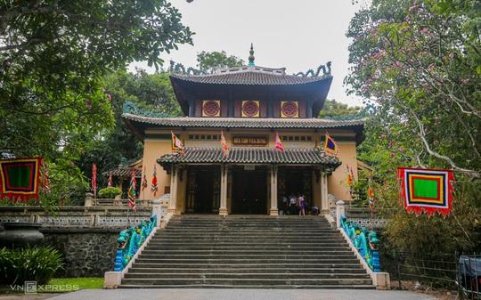 Khám phá 3 ngôi đền thờ vua Hùng ở TP HCM - Ảnh 1.