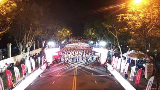 Giải Marathon Quốc Tế TP.HCM Techcombank mùa thứ 4: Sải bước trên đường chạy vượt trội - Ảnh 1.