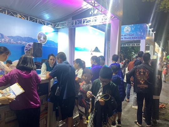 Công ty Vịnh Thiên Đường thu hút khách hàng tại Lễ hội du lịch và văn hoá ẩm thực 2021 - Ảnh 3.