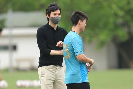 Hà Nội FC chính thức có HLV ngoại đầu tiên trong lịch sử CLB - Ảnh 3.