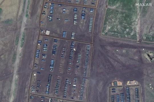 Biên giới Nga - Ukraine cực nóng, Nga ra lệnh hạn chế bay gần Crimea - Ảnh 5.