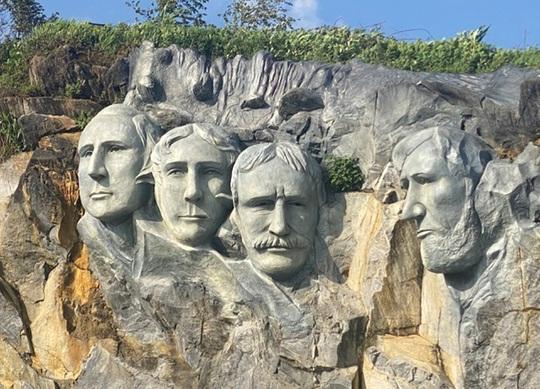 Yêu cầu dừng thi công tượng Nữ thần tự do gây tranh cãi ở Sa Pa - Ảnh 2.