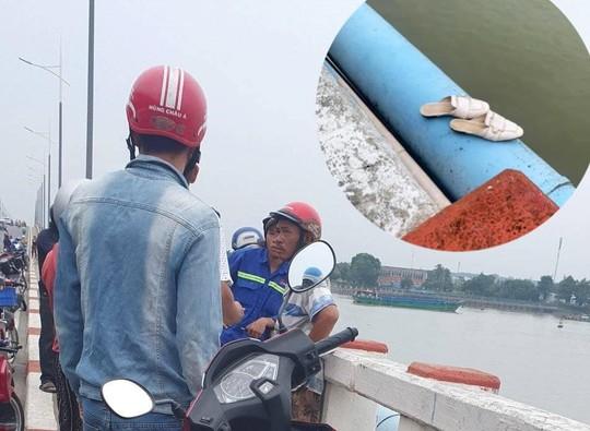 Ngỡ ngàng trước người phụ nữ để lại xe máy rồi nhảy xuống sông Đồng Nai - Ảnh 1.
