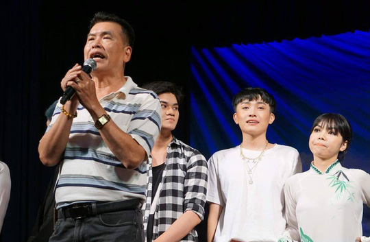 Hữu Nghĩa xúc động khi diễn viên trẻ đưa di sản văn hóa lên sân khấu kịch - Ảnh 1.