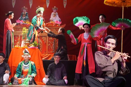 Hữu Nghĩa xúc động khi diễn viên trẻ đưa di sản văn hóa lên sân khấu kịch - Ảnh 5.
