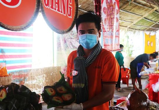 """Đặc sắc bánh """"phu thê"""" thể hiện chủ quyền biển đảo Việt Nam - Ảnh 10."""