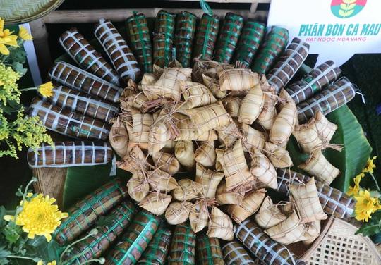 """Đặc sắc bánh """"phu thê"""" thể hiện chủ quyền biển đảo Việt Nam - Ảnh 2."""
