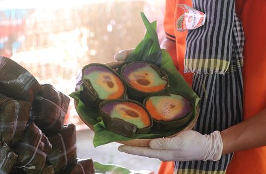 """Đặc sắc bánh """"phu thê"""" thể hiện chủ quyền biển đảo Việt Nam - Ảnh 3."""