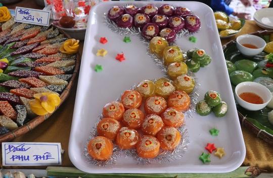 """Đặc sắc bánh """"phu thê"""" thể hiện chủ quyền biển đảo Việt Nam - Ảnh 1."""
