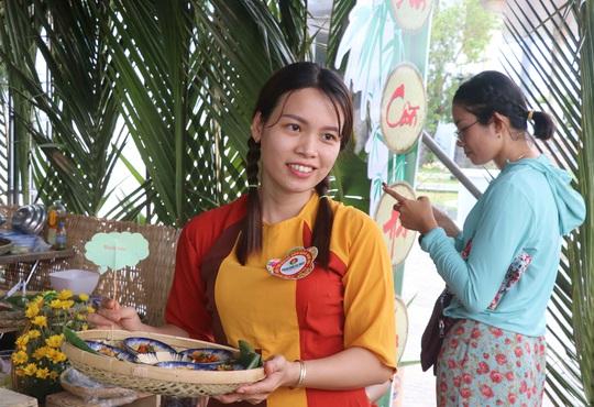 """Đặc sắc bánh """"phu thê"""" thể hiện chủ quyền biển đảo Việt Nam - Ảnh 6."""