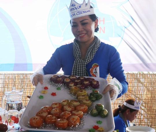 """Đặc sắc bánh """"phu thê"""" thể hiện chủ quyền biển đảo Việt Nam - Ảnh 7."""