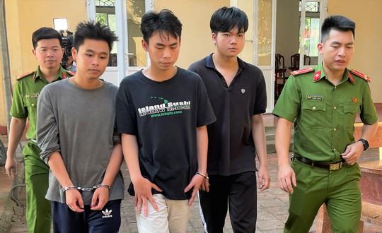 3 sinh viên đại học chiếm đoạt hàng tỉ đồng từ việc lừa bán sim số đẹp - Ảnh 1.
