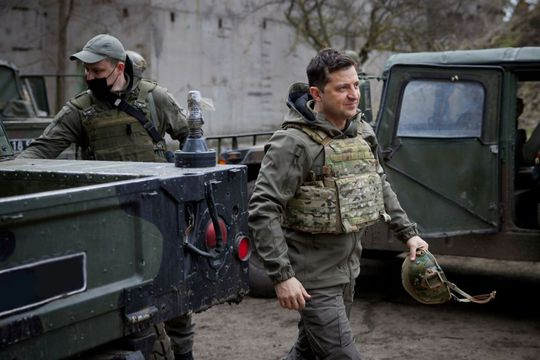 Tổng thống Ukraine mời Tổng thống Putin gặp ở vùng chiến sự - Ảnh 1.