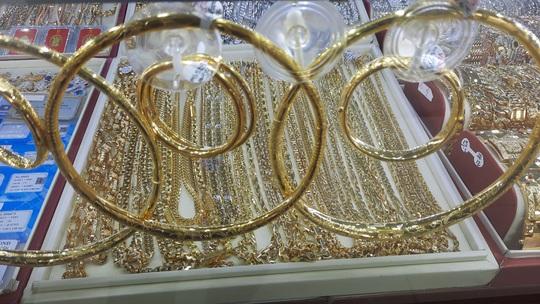 Giá vàng hôm nay 22-4: Vàng SJC dễ dàng vượt mốc 56 triệu đồng/lượng - Ảnh 2.