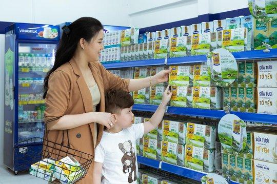 Vinamilk liên tục dẫn đầu ngành hàng sữa nước nhiều năm liền - Ảnh 1.