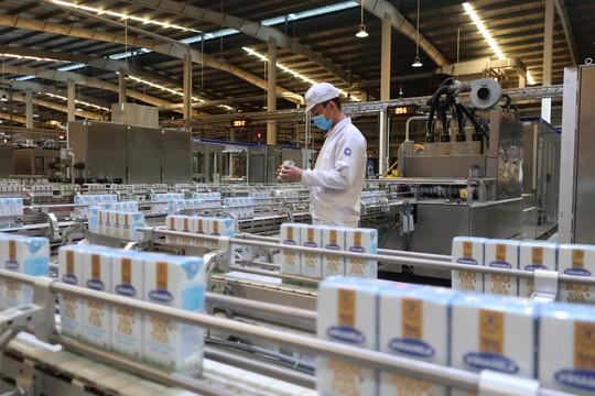 Vinamilk liên tục dẫn đầu ngành hàng sữa nước nhiều năm liền - Ảnh 4.