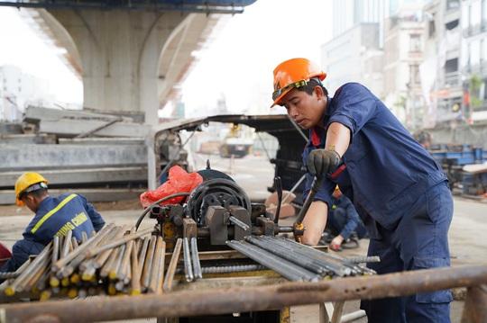CLIP: Đại công trường đường Vành đai 2 gần 10.000 tỉ đồng đang gấp rút hoàn thành - Ảnh 2.