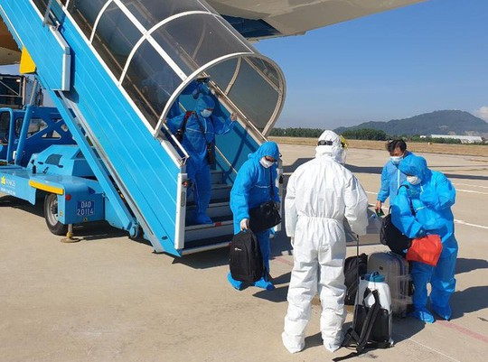 Thủ tướng yêu cầu tăng cường quản lý các chuyến bay đưa người nhập cảnh Việt Nam - Ảnh 1.