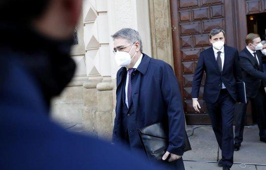 CH Czech tiếp tục trục xuất hàng chục nhân viên ngoại giao Nga - Ảnh 2.