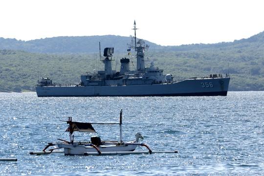Thủy thủ trên tàu ngầm Indonesia mất tích sắp hết oxy - Ảnh 3.