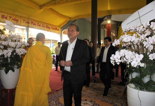 Phó Thủ tướng Thường trực Trương Hòa Bình viếng hương Trưởng lão Hòa thượng Thích Thiện Duyên - Ảnh 1.