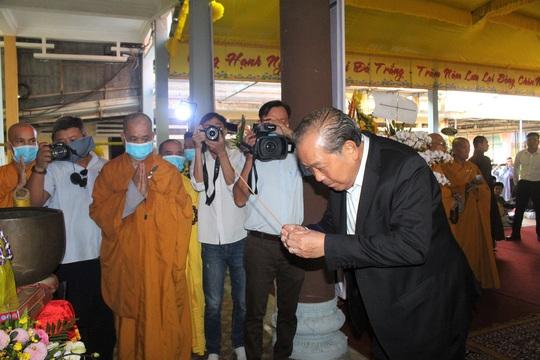 Phó Thủ tướng Thường trực Trương Hòa Bình viếng hương Trưởng lão Hòa thượng Thích Thiện Duyên - Ảnh 2.