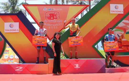 Cúp Truyền hình TP HCM: Lê Nguyệt Minh rút ngắn khoảng cách Áo xanh - Ảnh 3.